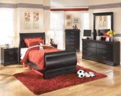 Signature Design by Ashley 3pc Bedroom Set $594