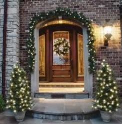 Celebrations Hyde Park Cordless LED 6-Ft. Garland