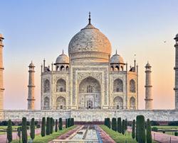 7Nt India & Dubai Escorted Vacation w/ Air